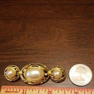 Vintage Jewelry - Vtg. Richeleiu Pearl Brooch